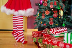 Holidays (Christmas) is around the corner and we all want to buy gifts for our loved one. But, are you looking for inexpensive or cheap Christmas gifts? Are you looking for Christmas on a budget? CLICK HERE to raad how to get FREE Christmas gifts