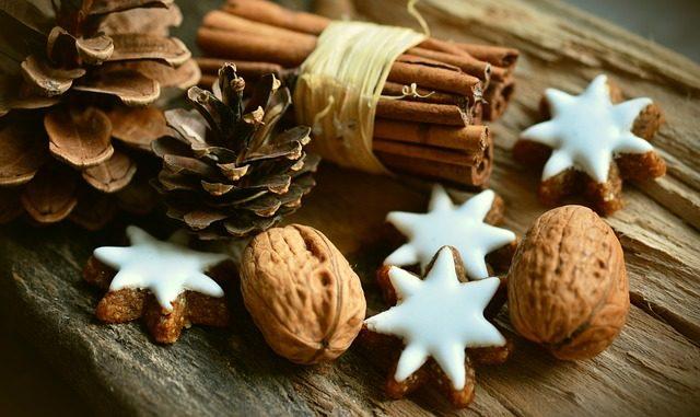 save money on christmas decoration